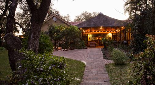 Sunbird Lodge - Guest House - Phalaborwa - Building