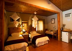 Sunbird Lodge - Guest House - Phalaborwa - Bedroom