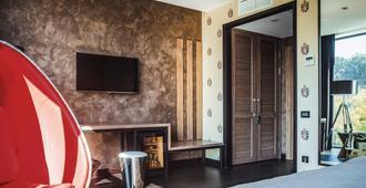 M1 club hotel - Odesa - Servicio de la habitación