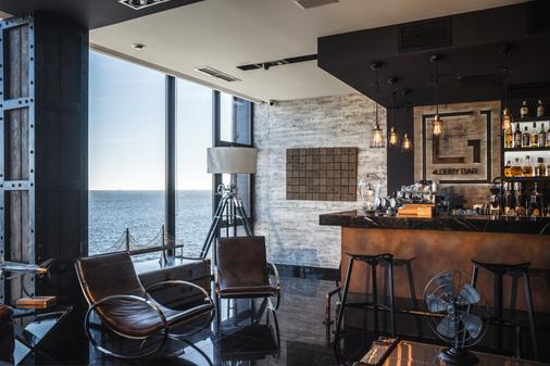 M1 club hotel - Οδησσός - Bar