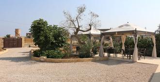 Masseria Centro Colonico - Torre San Giovanni - Patio