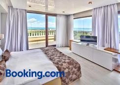 lti Dolce Vita Sunshine Resort - Golden Sands - Bedroom
