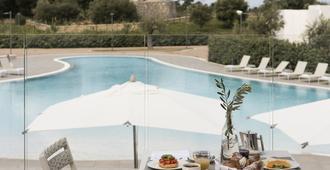 卡拉浦酒店 - 波利尼亞諾濱海區 - 濱海波利尼亞諾 - 游泳池