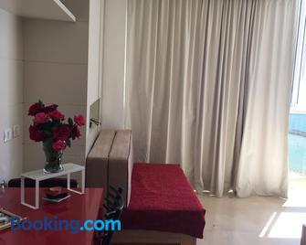 Raphael Apartments - Herzliya - Living room