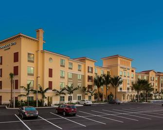 TownePlace Suites by Marriott Fort Myers Estero - Estero - Building