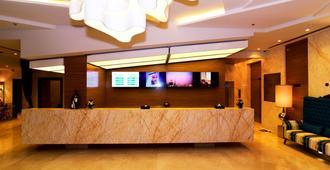 Best Western Plus Pearl Creek - Dubai - Resepsjon