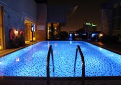 Best Western Plus Pearl Creek - Dubai - Pool