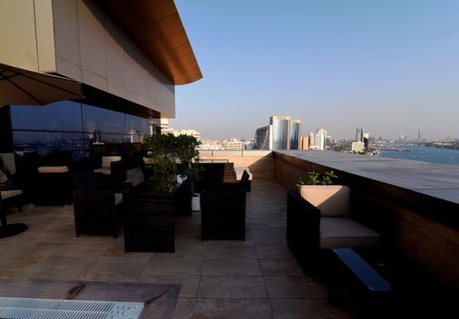 Best Western Plus Pearl Creek - Ντουμπάι - Μπαλκόνι