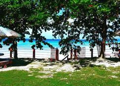D's Ocean View Beach Resort - Siquijor - Außenansicht