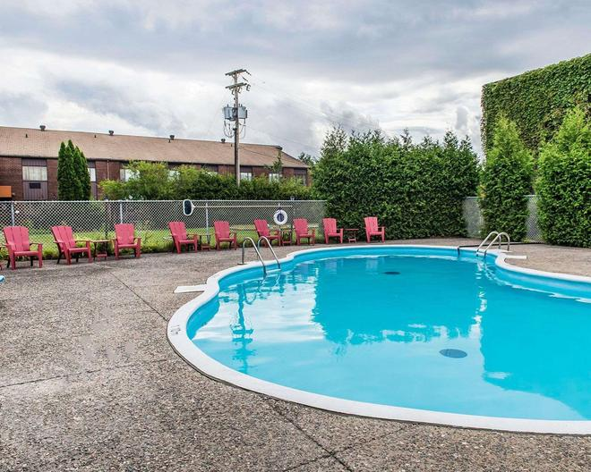 Quality Inn & Suites - Gatineau - Uima-allas