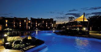 Eden Resort and Suites, BW Premier Collection - Lancaster - Pool