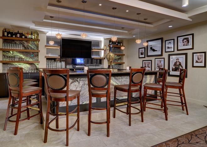 Eden Resort & Suites - Lancaster - Bar