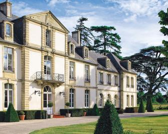 Chateau De Sully - Bayeux - Building