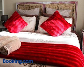 African Adventures Accommodation - Joostenberg Vlakte - Bedroom