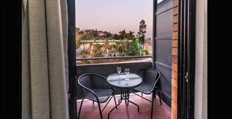 Kingsford Riverside Inn - Brisbane - Balkon