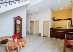 Vosstel Guest House - Medan - Recepcja