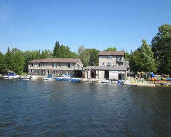 Sauble River Marina And Lodge Resort - Sauble Beach - Building