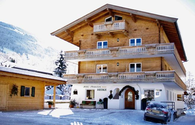 Hotel Pension Heike - Kitzbühel - Building