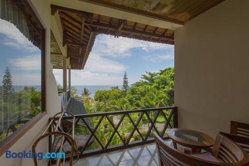 Puri Wirata Dive Resort And Spa - Abang - Balcony