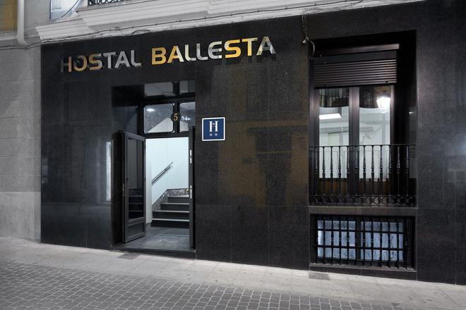 Hostal Ballesta - Madrid - Building