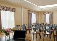 Econo Lodge City Centre - Kingston - Restaurant