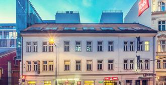 Ibis Praha Old Town - Прага - Здание