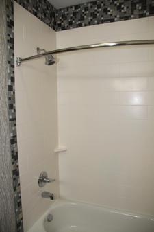 Best Western Plus Jackson Downtown-Coliseum - Jackson - Bathroom