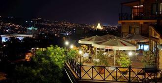 Betsy's Hotel - Tbilisi - Vista externa