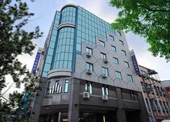 Sun Sweet Hotel - Yilan City - Building