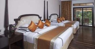 Earl's Regency - Kandy - Bedroom
