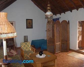 Gbh Casas Rurales Fimbapaire - La Oliva - Wohnzimmer