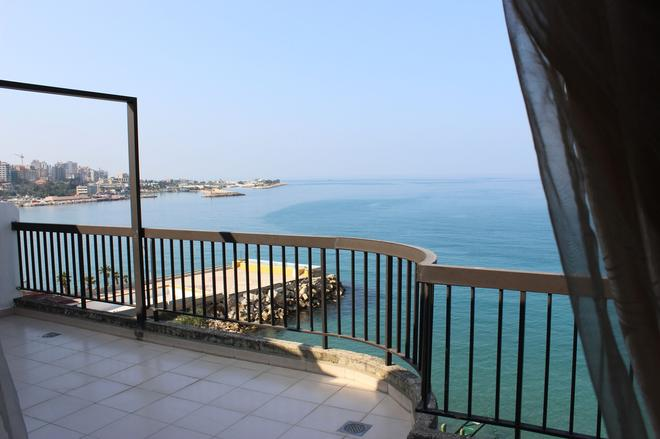 Holiday Suites Hotel And Beach - Jounieh - Balcony