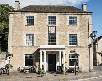 Methuen Arms - Corsham - Building