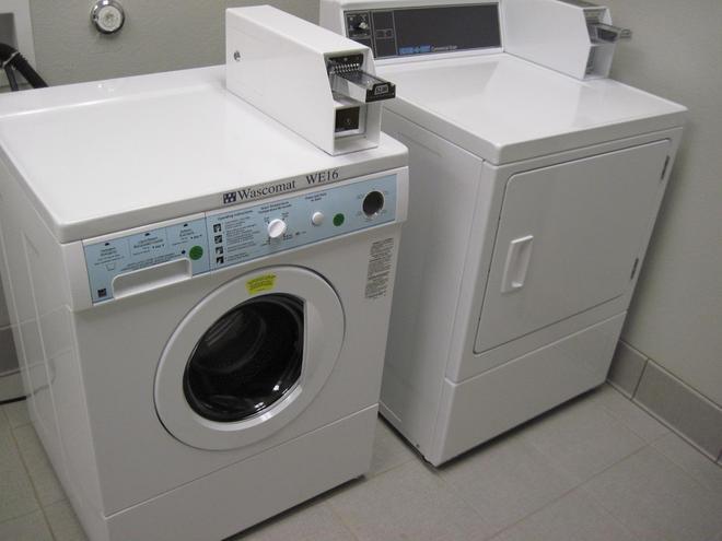 Best Western Plus Austin Airport Inn & Suites - Austin - Laundry facility