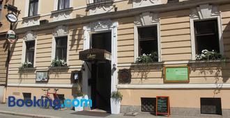 Hotel Amadeus - České Budějovice - Bâtiment