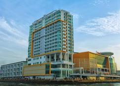 Swiss-Belhotel Balikpapan - Balikpapan - Edificio
