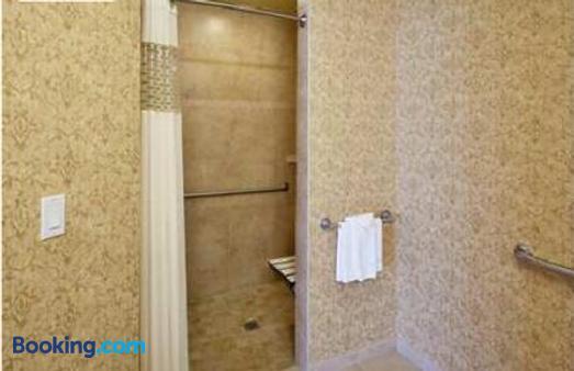 Hampton Inn & Suites Coeur d' Alene - Coeur d'Alene - Bathroom