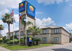 Comfort Inn & Suites Houston West-Katy - Katy - Rakennus