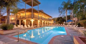 海豚灣度假村 - 安納海姆 - 安那翰 - 游泳池