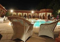 Faisalabad Serena Hotel - Faisalābād - Pool