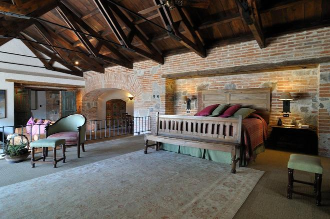Hotel Museo Spa Casa Santo Domingo - Antigua - Bedroom