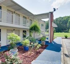 Motel 6 Cartersville, GA