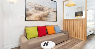 Apartament Slonce I Plaza By Renters - Gdansk - Living room