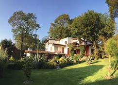 Las Luciernagas - Valle de Bravo - Edificio