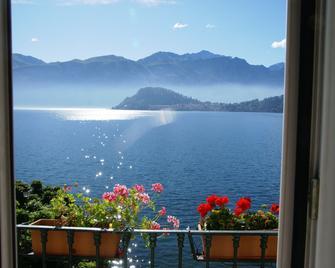 Hotel Riviera - Griante - Buiten zicht