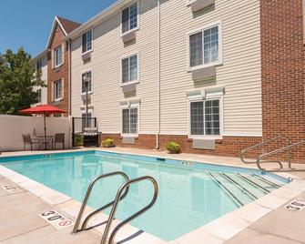 TownePlace Suites by Marriott Salt Lake City Layton - Layton - Pool