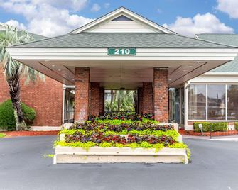 Quality Inn & Suites - Georgetown - Gebouw