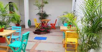 Casa Colores Hostal - Guadalajara - Innenhof