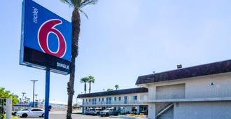 Motel 6 Indio Palm Springs Area - Indio - Rakennus