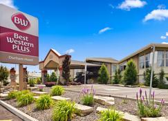 Best Western Plus Durham Hotel & Conference Centre - Oshawa - Edificio